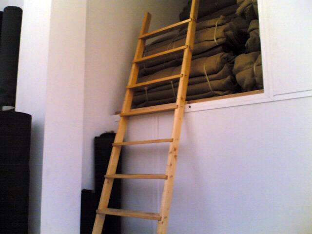 Scaletta In Legno Per Soppalco : Scala in legno per soppalco antinfortunistica con impregnante