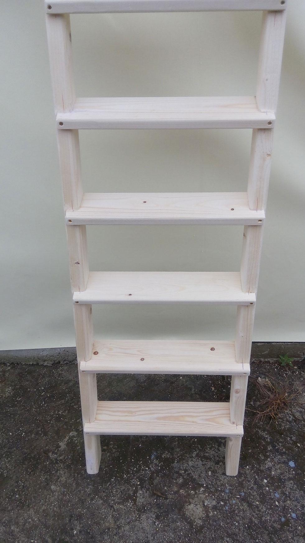 Scala in legno per soppalco antinfortunistica scale in for Scale per librerie in legno